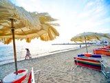 Неделя в Албании, рядом с пляжем в Големе 1