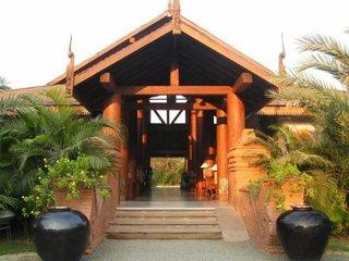 Отель The Hotel at Tharabar Gate 3* Баган Мьянма