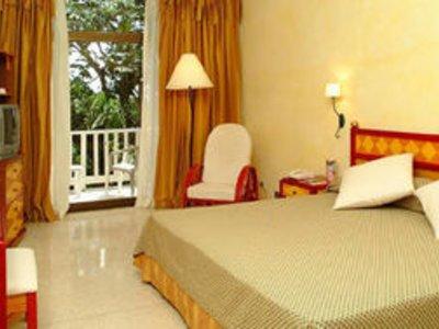 Отель Sol Rio De Luna Y Mares 4* Ольгин Куба