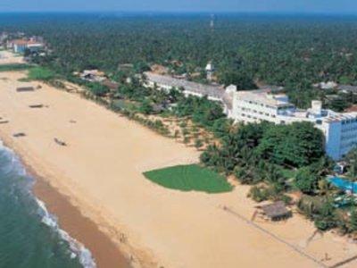 Отель Browns Beach Hotel 3* Негомбо Шри-Ланка