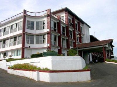 Отель Topaz Hotel 4* Канди Шри-Ланка