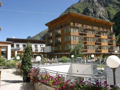 Отель Vier Jahreszeiten 4* Пицталь Австрия