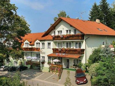 Отель Rajsky Pension 3* Чешский Крумлов Чехия