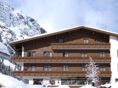 Отель Mittagskogel Pension 4* Пицталь Австрия