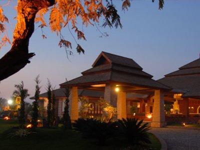 Отель Aye Yar River View Hotel 3* Баган Мьянма
