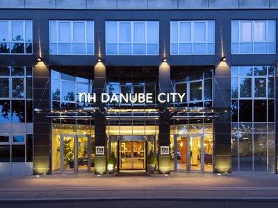Отель NH Danube City 5* Вена Австрия