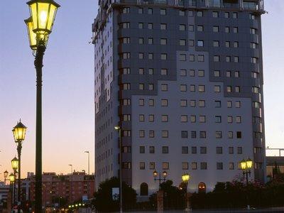Отель Sevilla Center Hotel 4* Севилья Испания