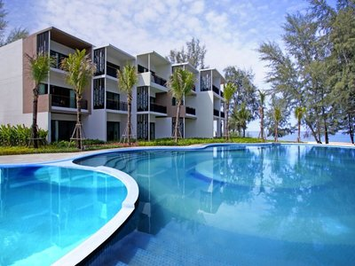 Отель Holiday Inn Resort Mai Khao Beach 4* о. Пхукет Таиланд