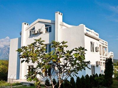 Отель Maki Apartments 3* Тиват Черногория