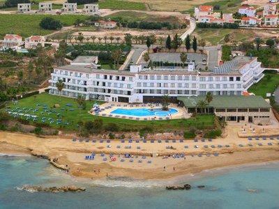 Отель Corallia Beach Hotel Apts 4* Пафос Кипр