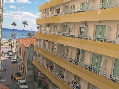 Отель Palm Sea Beach Hotel Apartments 2* Ларнака Кипр