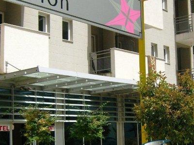 Отель Albion Hotel 3* Дуррес Албания