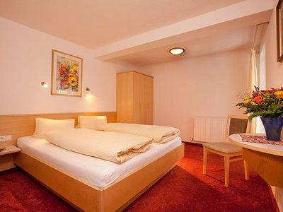 Отель Anneliese Gastehaus 2* Зельден Австрия