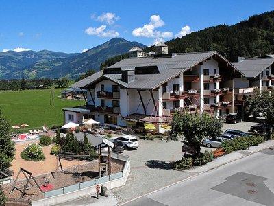 Отель Antonius Hotel 4* Капрун Австрия