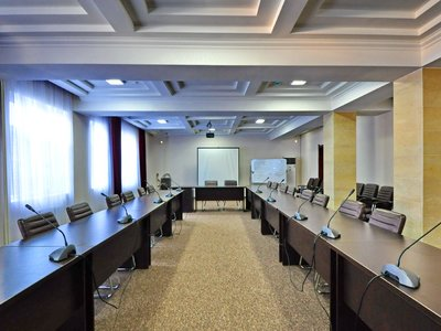 Отель Soluxe Hotel Bishkek 3* Бишкек Киргизия