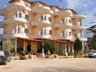 Отель Mariksel Hotel 3* Ксамил Албания