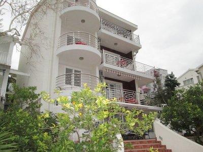 Отель Lola Villa 3* Бечичи Черногория