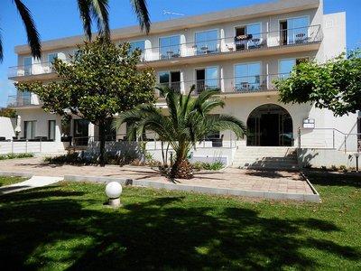 Отель La Madrague 3* о. Корсика Франция