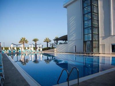 Отель Premium Beach Hotel 5* Дуррес Албания