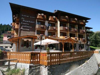 Отель St. Raphael Hotel 4* Мадонна ди Кампильо Италия