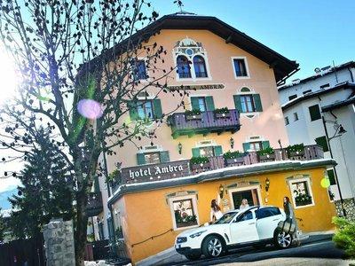 Отель Ambra Cortina 4* Кортина д'Ампеццо Италия