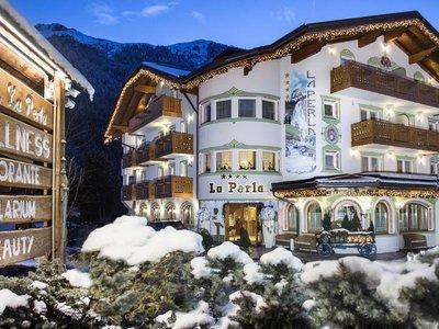 Отель La Perla Wellness & Beauty Hotel 4* Канацея Италия