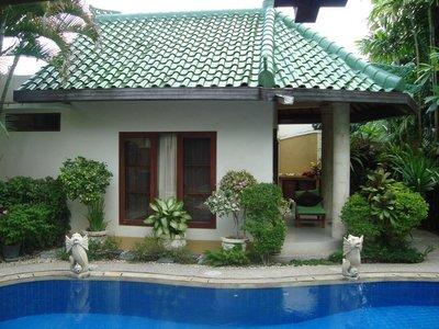 Отель Bali Emerald Villas 4* Санур (о. Бали) Индонезия