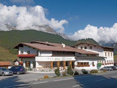 Отель Edelweiss Hotel 3* Наудерс Австрия