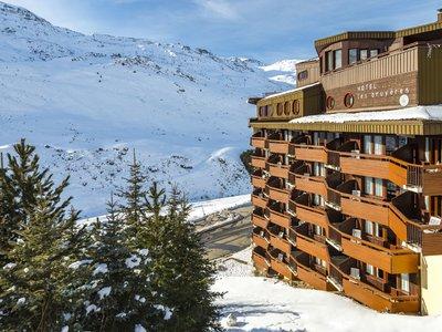 Отель Les Bruyeres Hotel 4* Ле Менюир Франция