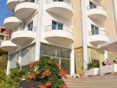 Отель Bora Bora Hotel 3* Саранда Албания