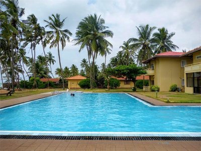Отель Sanmali Beach Hotel 2* Маравила Шри-Ланка