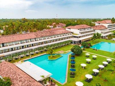 Отель The Blue Water Hotel & Spa 5* Ваддува Шри-Ланка