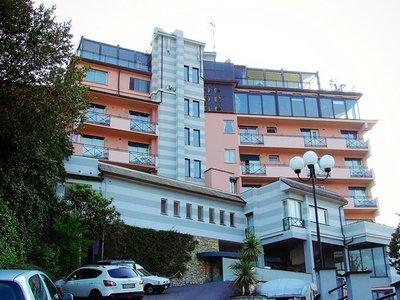 Отель Vis a Vis Hotel 4* Лигурийское побережье Италия