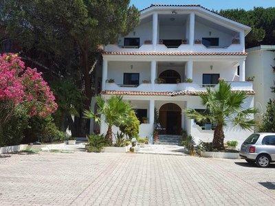 Отель Ujvara Villa 2* Дуррес Албания