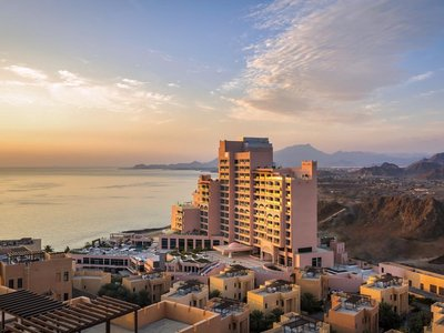 Отель Fairmont Fujairah Beach Resort 5* Фуджейра ОАЭ
