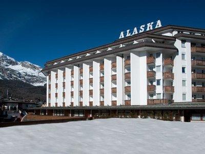 Отель Alaska Cortina 4* Кортина д'Ампеццо Италия
