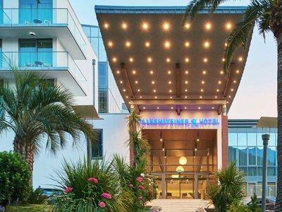 Отель Falkensteiner Hotel Montenegro 4* Бечичи Черногория