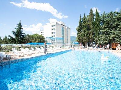 Отель Голубая волна 3* Алушта Крым