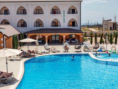 Отель Роксолана 3* Железный Порт Украина