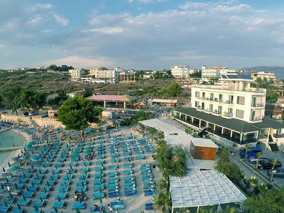 Отель King Hotel 4* Ксамил Албания