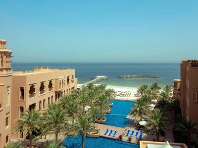 Отель Sheraton Sharjah Beach Resort & Spa 5* Шарджа ОАЭ
