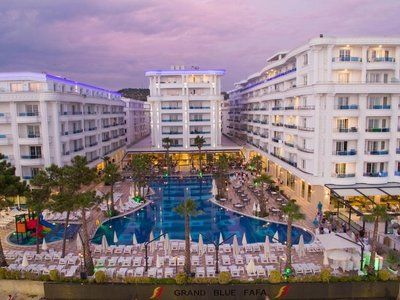 Отель Grand Blue Fafa Resort 5* Дуррес Албания