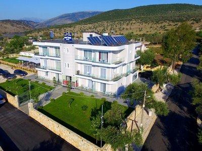 Отель Blue Water Hotel 4* Ксамил Албания