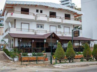 Отель Beer House Hotel 2* Саранда Албания