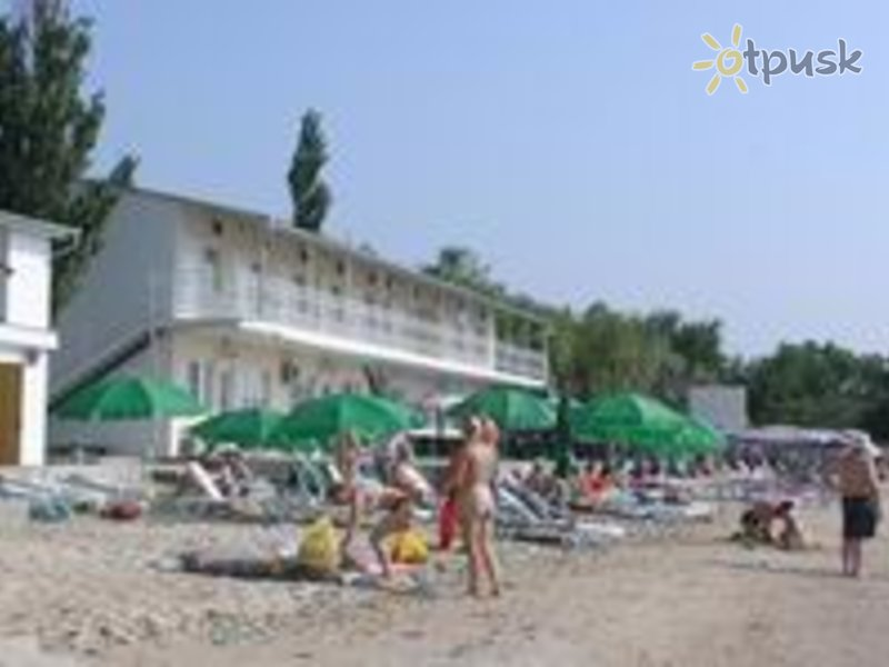 Отель Дельфин 2* Мелекино Украина