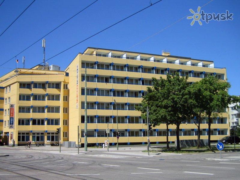 Отель A&O Munchen Hackerbrucke 2* Мюнхен Германия