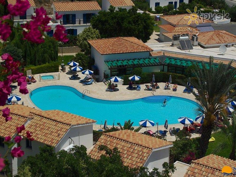 Отель Hylatio Tourist Village 3* Лимассол Кипр