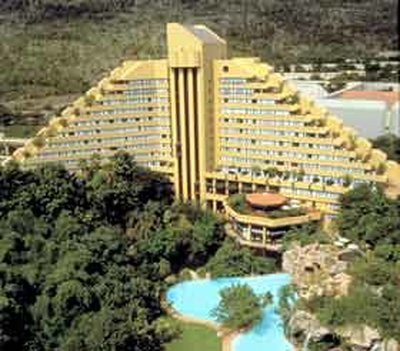 Отель Cascades 5* Сан Сити ЮАР