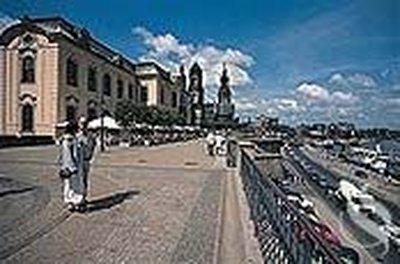 Отель Hilton 4* Дрезден Германия
