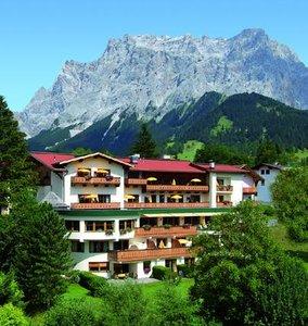 Отель Schoenruh 4* Зеефельд Австрия